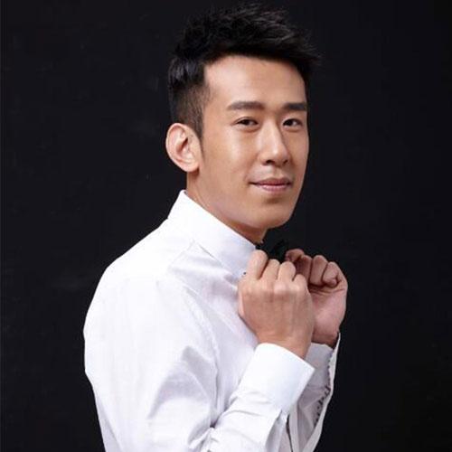首頁 華人男歌手 于洋 于洋的簡介  姓  名:于洋   英文名: yuyang圖片